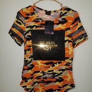 Tops - NWT Women's trendy tshirt